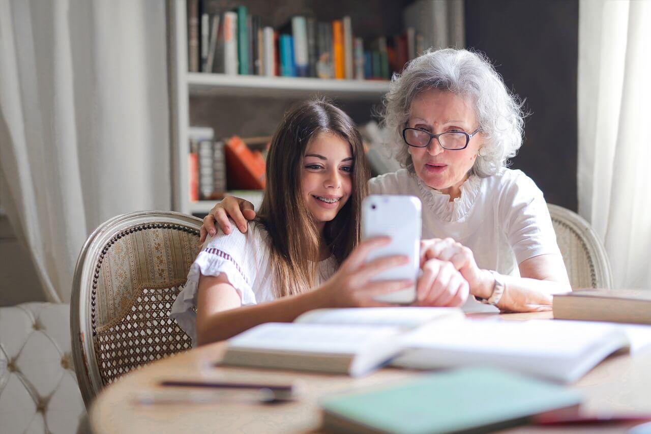 Nauka języków obcych a wiek senioralny